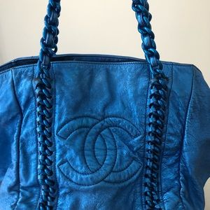 CHANEL Bags - Auth Chanel Luxury Ligne tote metallic blue